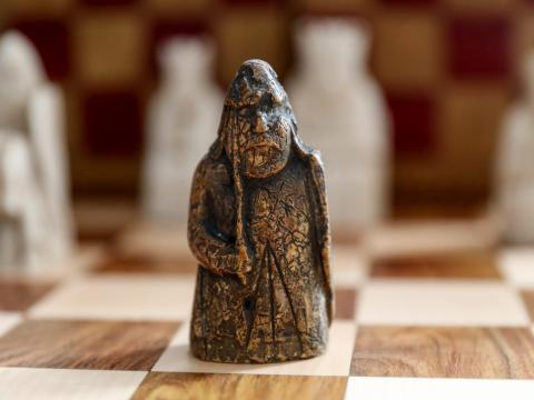 Esta pieza de ajedrez perdida vale 1 millón de dólares
