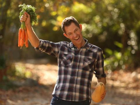 Ocean Robbins, nieto del fundador de Baskin-Robbins, nunca come helado. Prefiere las propiedades de las frutas y verduras para combatir el cáncer.