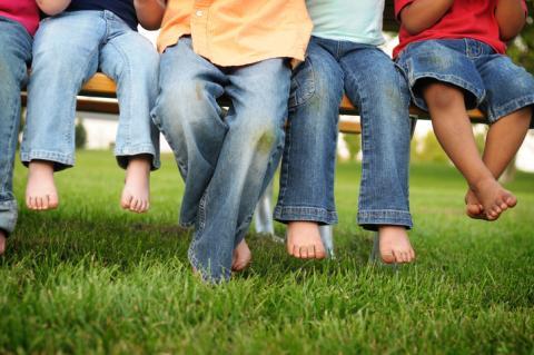 Pantalones manchados de hierba.