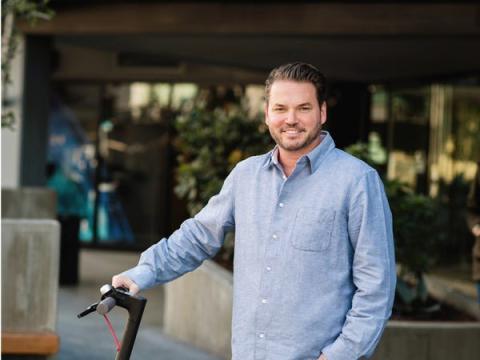 Travis VanderZanden, CEO y fundador del unicornio de patinetes eléctricos Bird.
