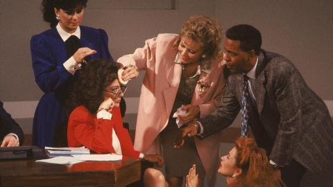 Dixie Carter, Annie Potts, Meshach Taylor y Jean Smart estuvieron entre las mujeres que protagonizaron la serie.