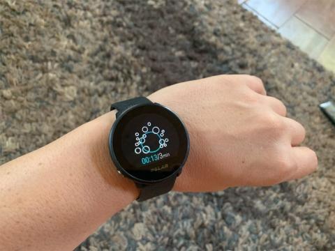 La información sobre tu salud es de fácil acceso en cualquier momento, con sencillos controles de un solo botón y pantalla táctil.