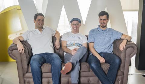 Los fundadores de Iomob, Josep Sanjuas (izq.), Boyd Cohen (centro) y Víctor López Ferrando.