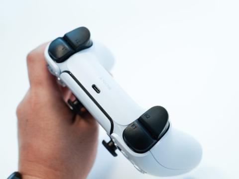 Otro de los grandes cambios en PS5 es su mando.