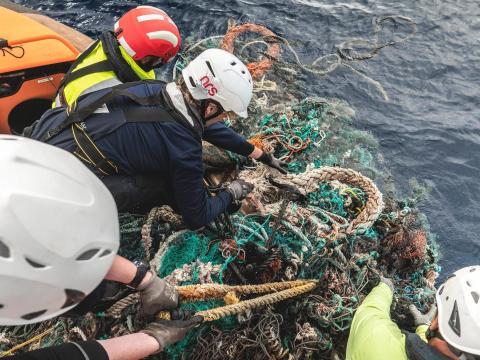 Expedición de limpieza del océano.