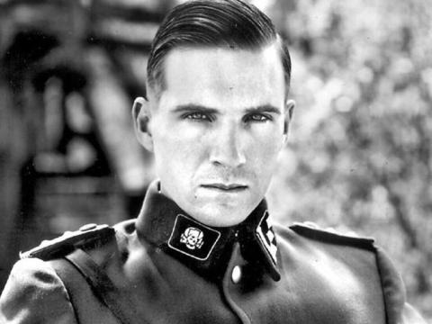 Ralph Fiennes en 'La lista de Schindler'.