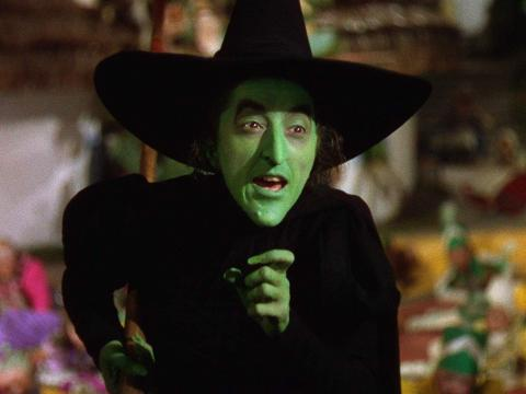 Margaret Hamilton como la Malvada Bruja del Oeste.