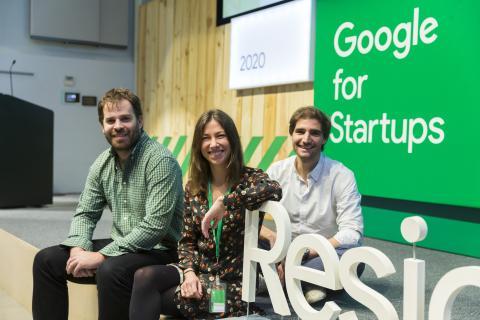 Blanca Vidal, Co-Fundadora y CMO de deplace.es, junto a Valentín Cuevas (CEO) y Enrique Corona (COO) participando en el programa de Residency de Google for Startups.