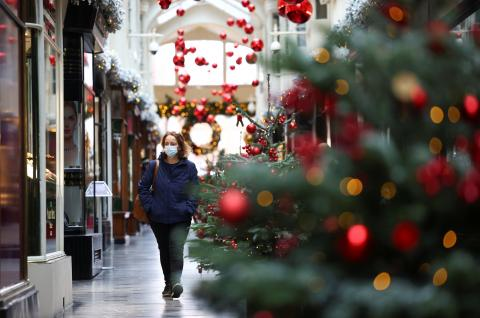 Un bulevar de Londres durante las Navidades de la pandemia del coronavirus