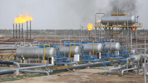 Campo petrolífero en Basra, Irak