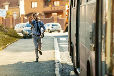 Correr al trabajo.