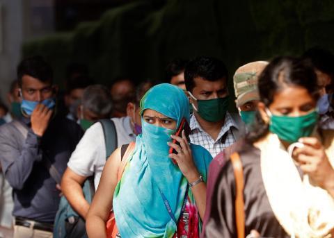 Una estación de tren en Mumbai en medio de la pandemia de coronavirus