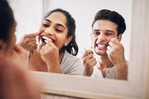 hilo dental, limpieza de dientes