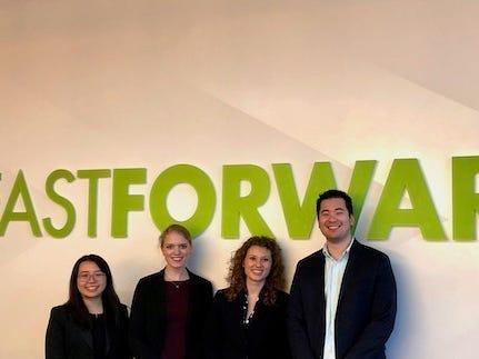 Imagen del equipo de ClearMask: Inez Lam, Allysa Dittmar, Elyse Heob y Aaron Hsu.
