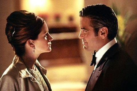 Julia Roberts y George Clooney en 'Ocean's Eleven'.