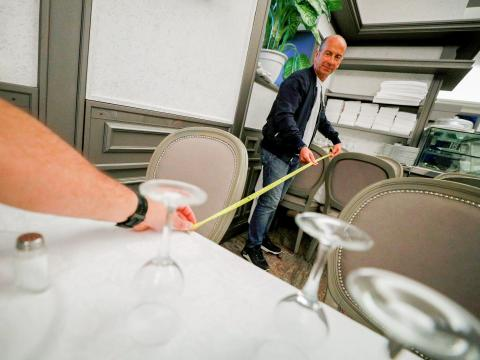 Distancia social en un restaurante