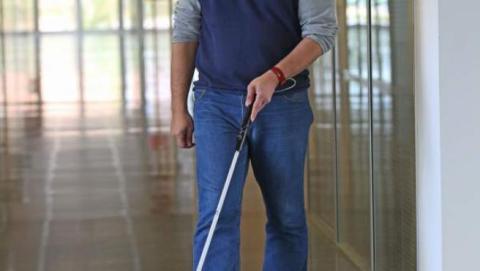 Un usuario con un bastón Egara