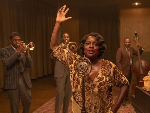 Chadwick Boseman (izquierda) y Viola Davis en 'La madre del blues'.