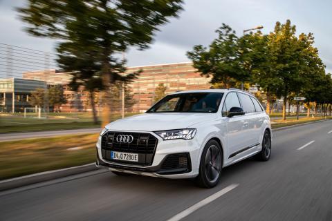 Audi Q7_3