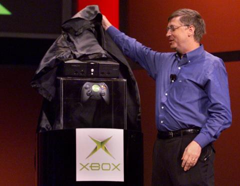 Bill Gates presentando la primera Xbox, 2001.