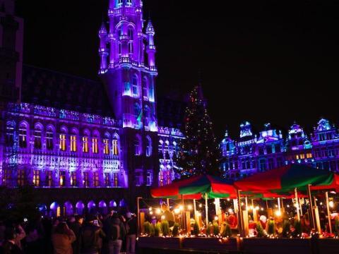 La Gran Plaza de Bruselas, Bélgica, el 18 de diciembre de 2019.