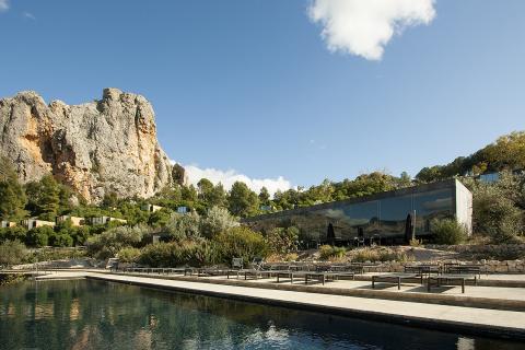 Imagen de la piscina del hotel Vivood, en Alicante