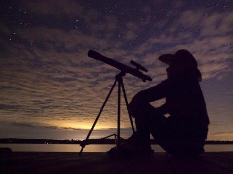 La lluvia de meteoritos de las Oriónidas alcanza su punto máximo esta semana. A continuación, le indicamos cómo ver las estrellas fugaces del polvo del cometa Halley.