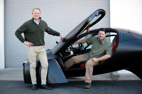 Steve Fambro (i) y Chris Anthony, CEOs de Aptera