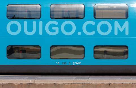 Tren de dos plantas de Ouigo en Marsella, Francia.