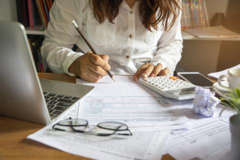 Alcanzar las metas financieras, como prioridad.