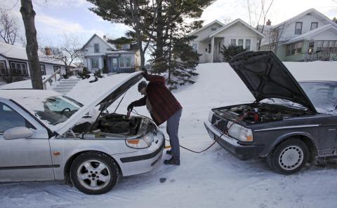 arrancar coche con pinzas