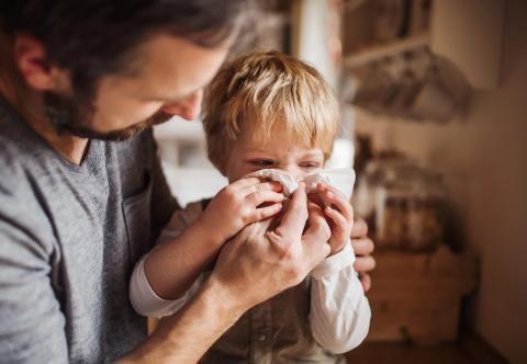 Las infecciones nasales duran más que los resfriados y requieren antibióticos.
