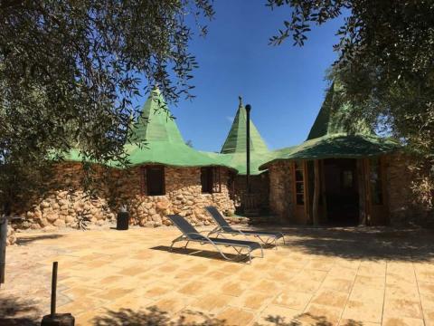 Casa Hobbit Airbnb