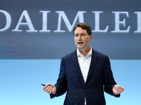 Daimler prácticamente está regalando su mejor talento a Tesla.