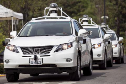 Después de unos años con el Prius, Google pasó a las pruebas con los SUV de Lexus.