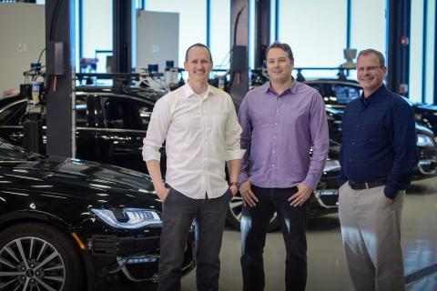 Después de salir de Google, Urmson, en el centro, lanzó su propia startup de conducción autónoma, Aurora Innovation.