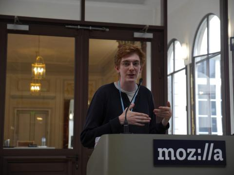 Donenfeld presentando WireGuard en una conferencia en la sede de Mozilla en París en 2017.