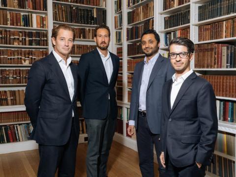 Fundadores y ejecutivos de PrimaryBid, de izquierda a derecha: James Deal, Eric Low, Anand Samabsivan y Kieran D'Silva.