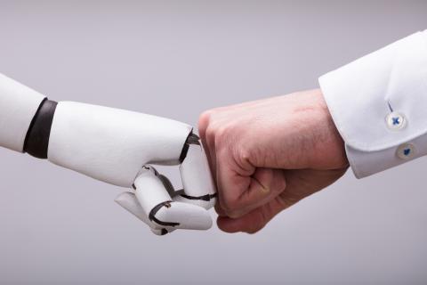 Intermediario entre máquinas y humanos en RRHH.