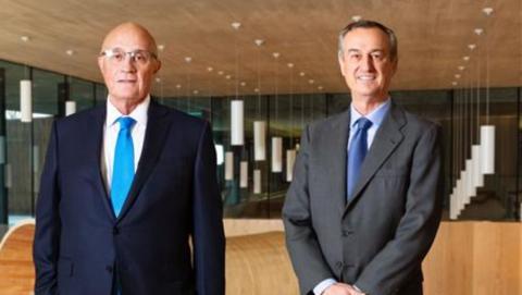 El presidente de Banco Sabadell, Josep Oliu, y el consejero delegado, César González-Bueno