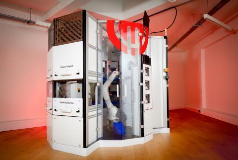 Imagen completa del robot DK-One.