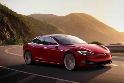 El Model S puede recorrer actualmente hasta 650 km con una carga, pero se está trabajando en una versión de mayor alcance.