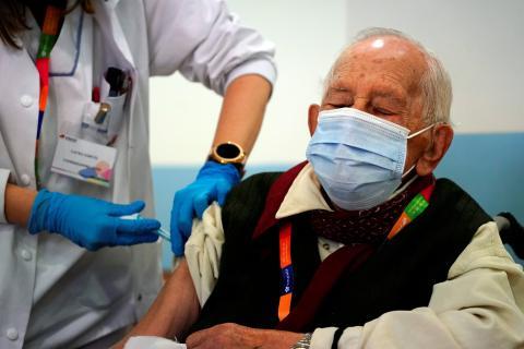 Vacunación de Pfizer y BioNTech en España.
