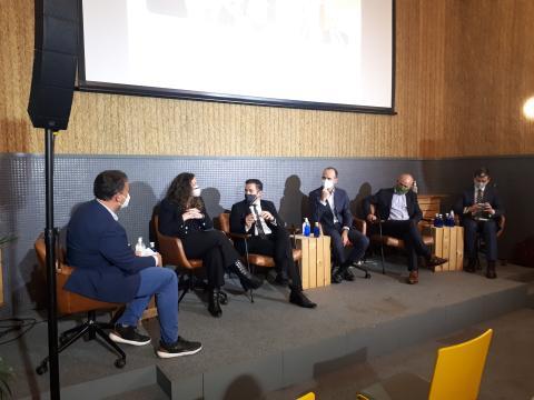 Algunos de los participantes en el evento del Connected Mobility Hub.