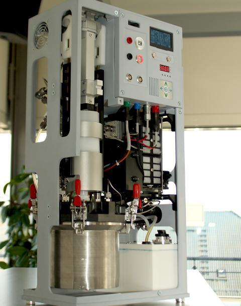 Demostrador de un generador de energía con un cartucho POWERPASTE.