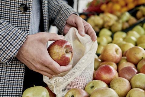 Envases biodegradables para el supermercado.