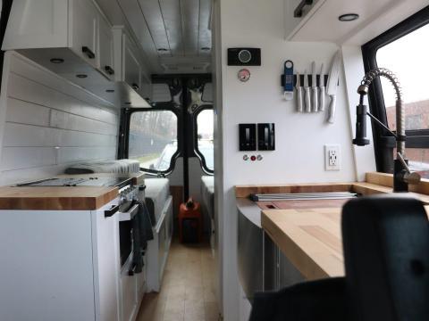 Interior de la furgoneta.