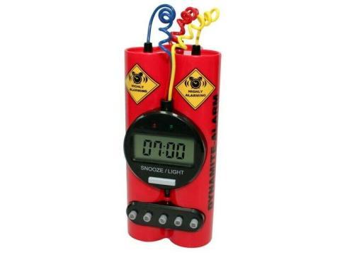 reloj despertador bomba