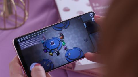 Samsung Galaxy S21 Among Us