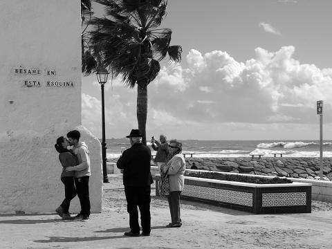 Bésame en esta esquina, Cádiz.